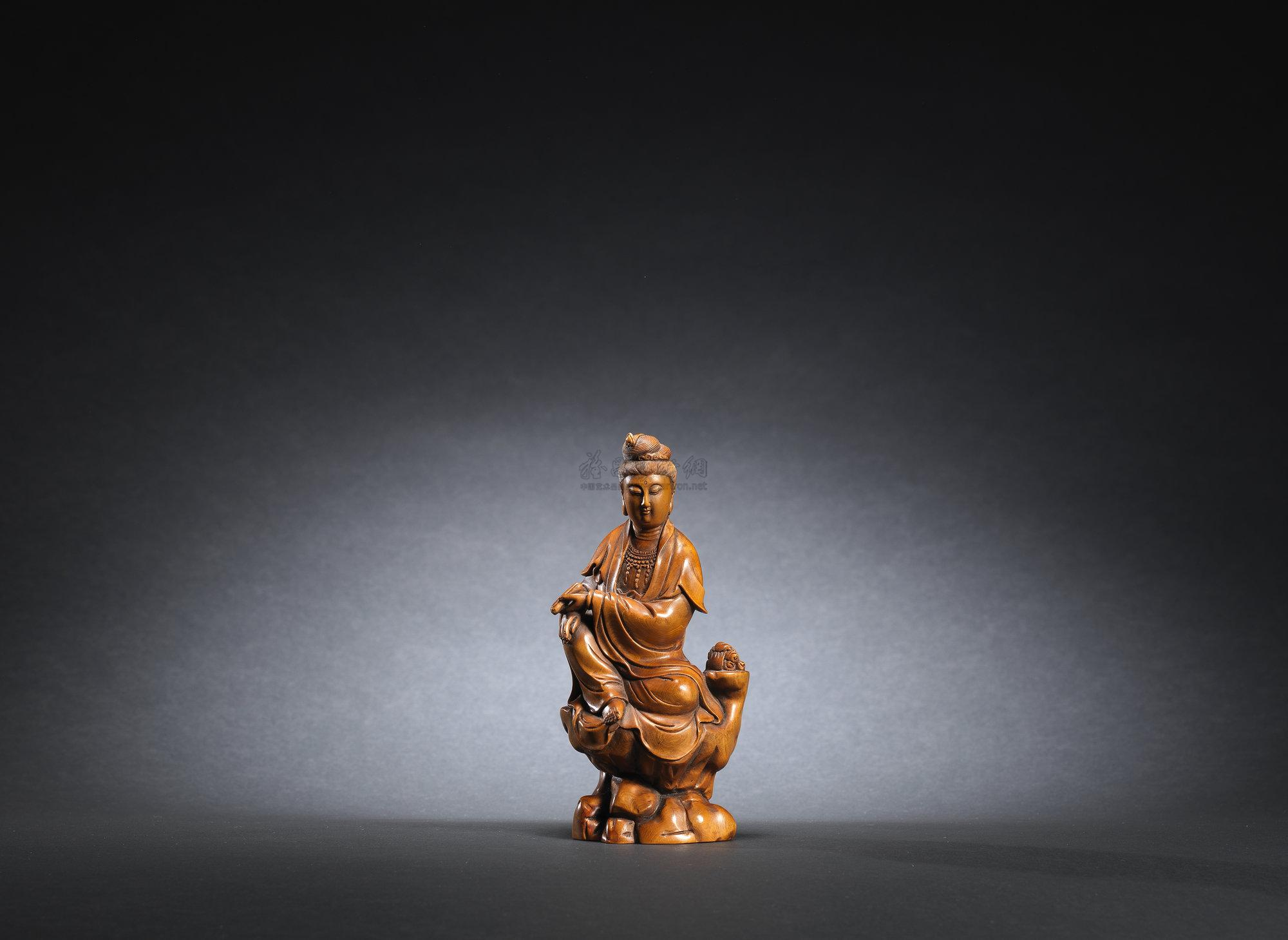 【黄杨木雕观音菩萨坐像】拍卖品