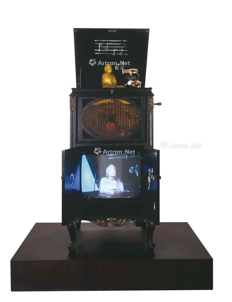 1990年作 ENLIGHTENMENT 78 RPMS 综合媒材 录像装置 雕塑