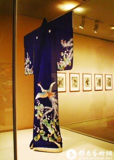 婚礼和服(丝绸) 十九世纪 纽约大都会博物馆藏