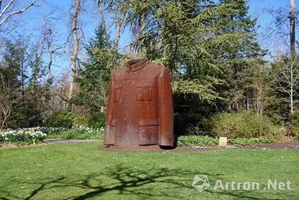 隋建国作品《衣钵》在纽约长岛longhouse reserve花园展出