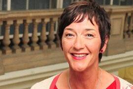 Karen MacKinnon:英国国际艺术奖不同阶段的变革