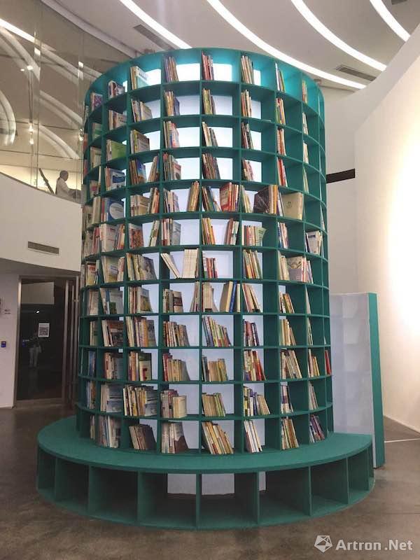 """第二届银川双年展:""""从沙漠出发——边界上的生态学""""展出作品"""