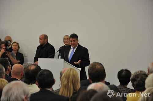 China8正式开幕 范迪安谈中国当代艺术的视觉强力