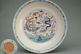 吕成龙:成化斗彩瓷器的造型、装饰和彩料