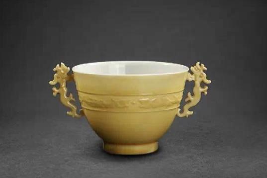 【雅昌讲堂4284期】吕成龙:清代景德镇御窑厂烧造的浇黄釉瓷器